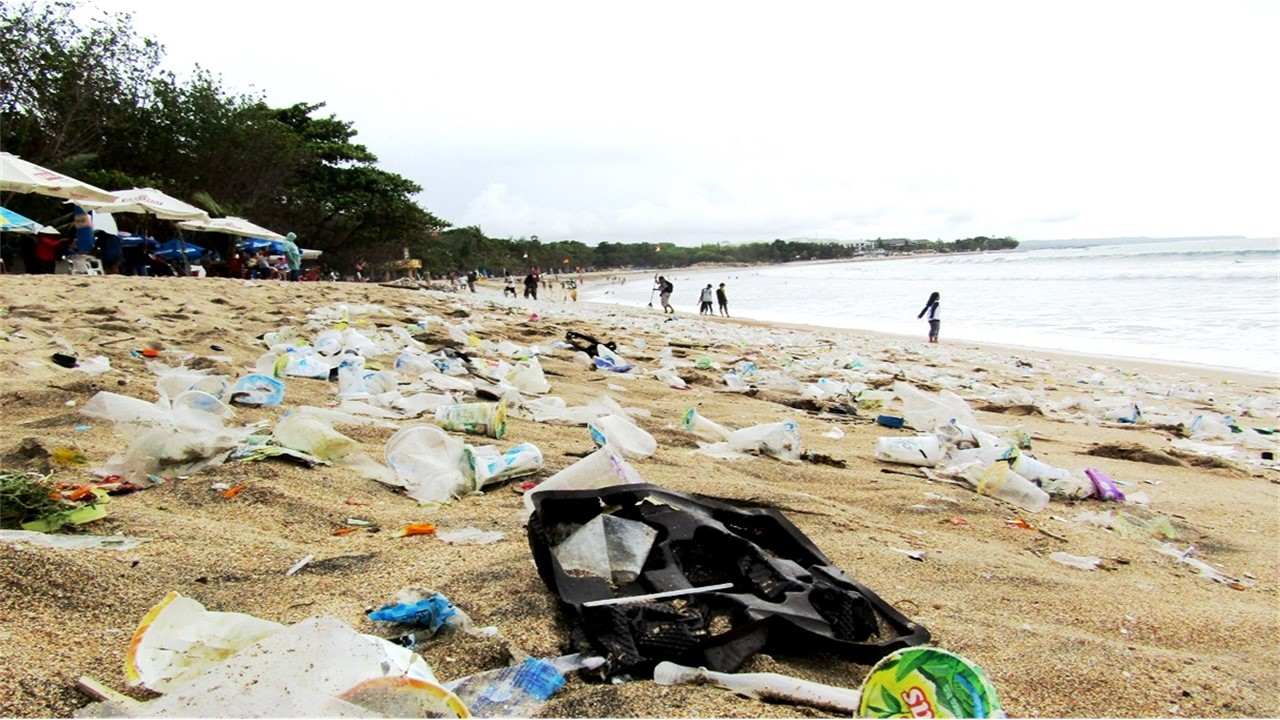 Sampah Plastik Dan Dampaknya Terhadap Lingkungan
