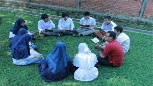 Pentingnya Akhlak Dalam Kehidupan Sosial Masyarakat